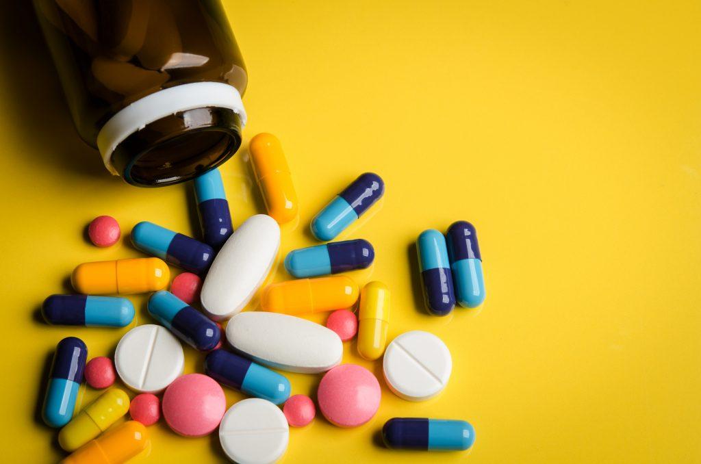 câncer, efeitos colaterais; efeito colateral do câncer; efeitos colaterais do câncer; médico; medicamento